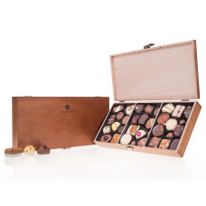 chocolate in wooden boxes, hand made pralines